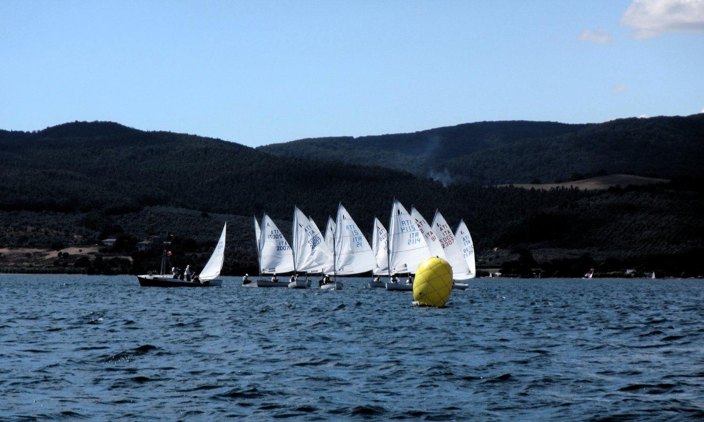 Partenza delle barche durante una regata del circolo ASNS